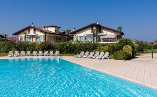 Appartamento paino terra Sirmione, prima linea Lago di Garda